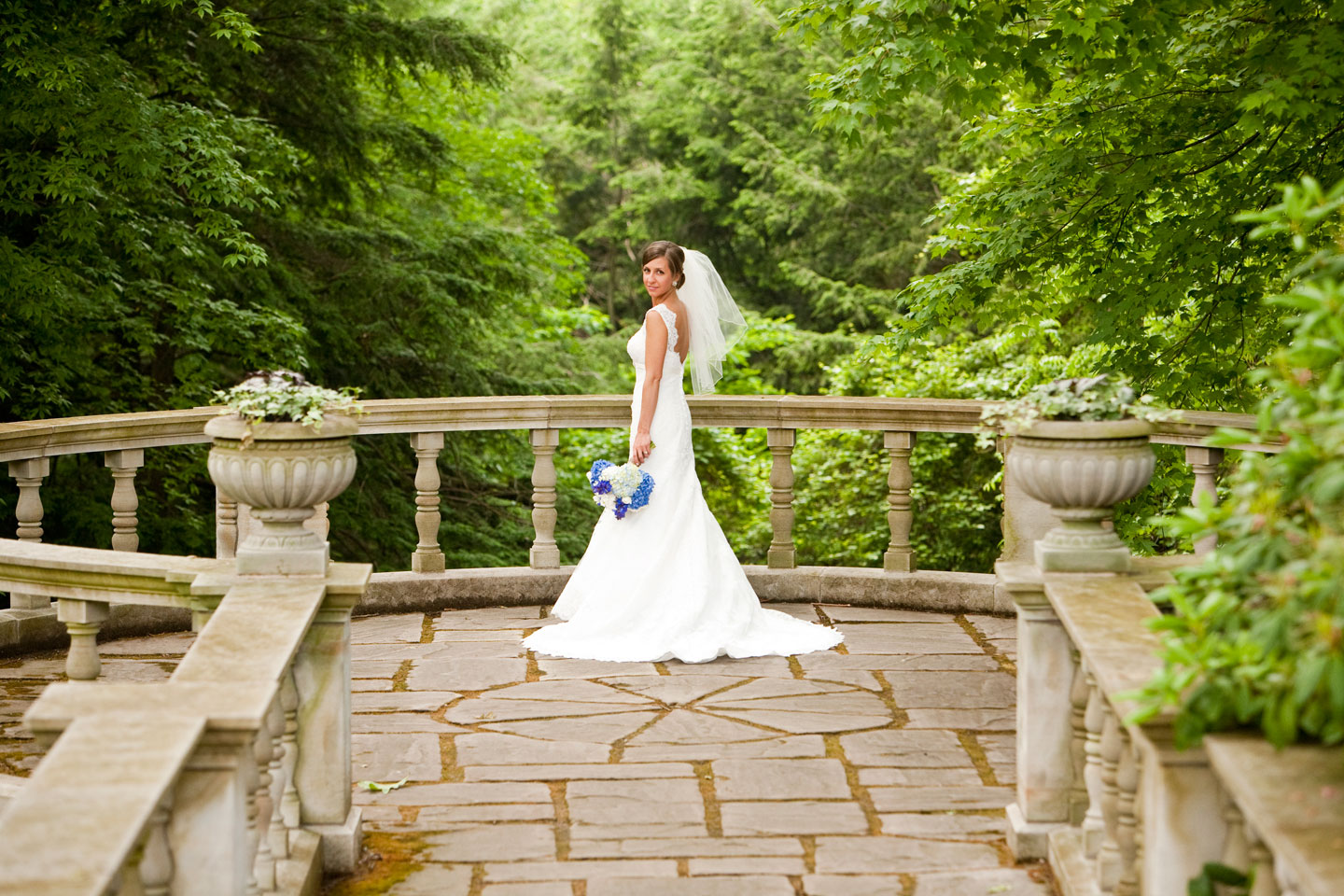 Weddings stan hywet hall gardens for How to take wedding photos